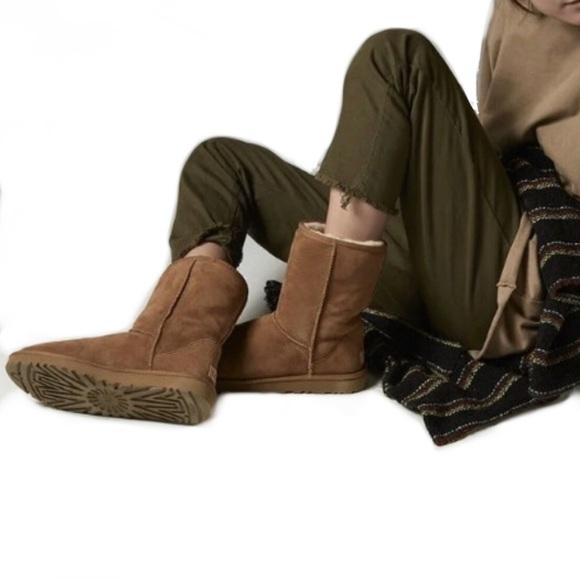 23a7e7e5366 UGG Chestnut Button Trim Boots